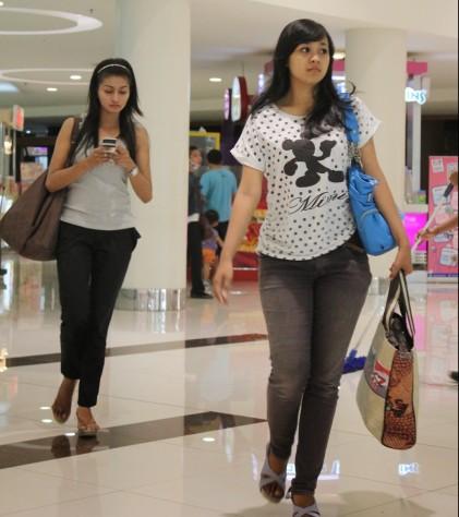 Kuat menjelajah isi mall atau tempat belanja lainnya